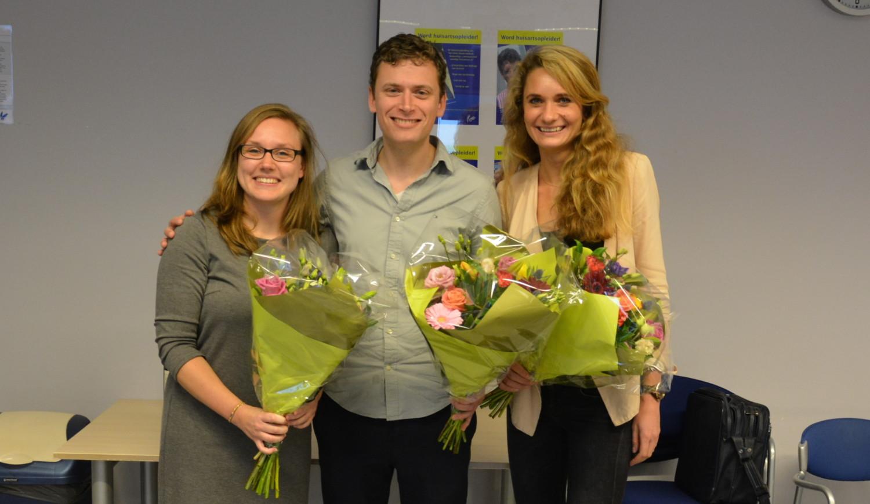 Van links naar rechts: Mariska Vos, winnaar van de CAT-middag 2016, Simon Meester, winnaar tweede plaats, Dayenne Ubachs, winnaar publieksprijs 2016. (Foto: Hedwich Breuker)